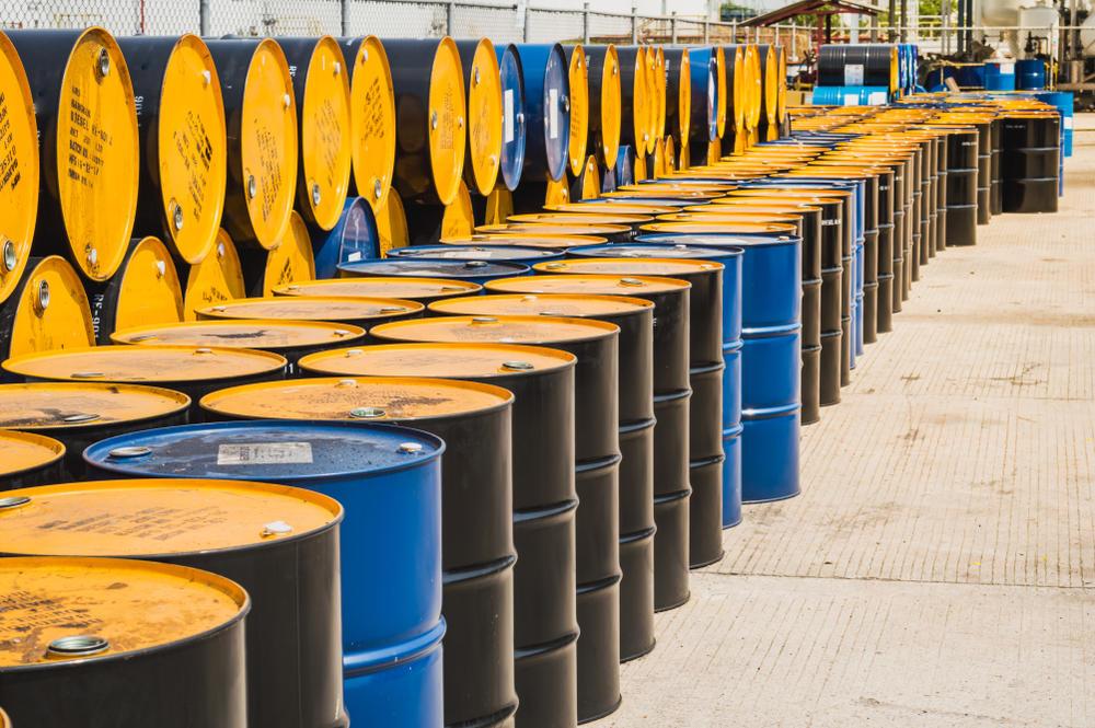 Iranian Hiding Millions of Barrels Oil for Markets