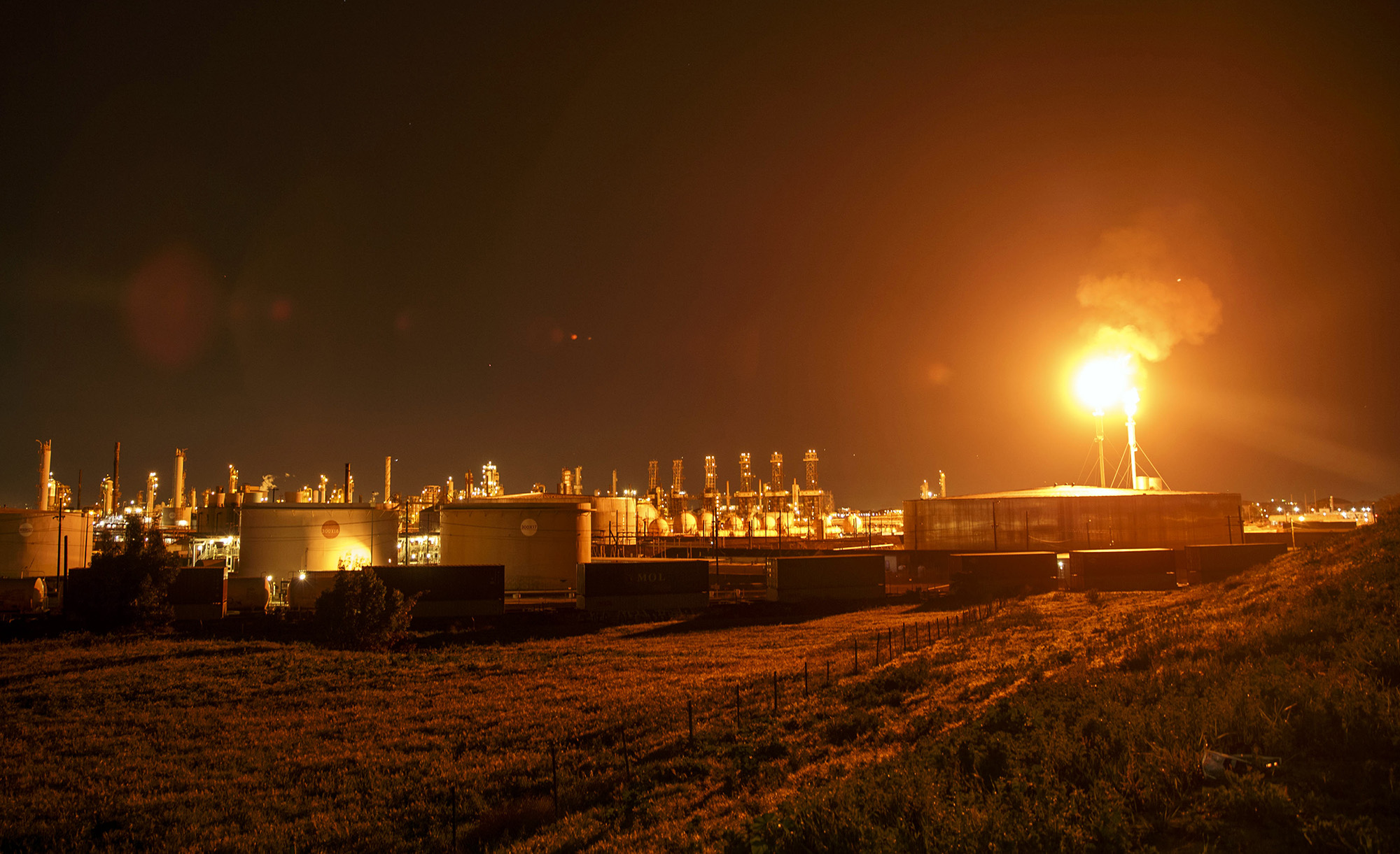 CEO of Pioneer Natural Resources Tries to Limit Gas Flaring
