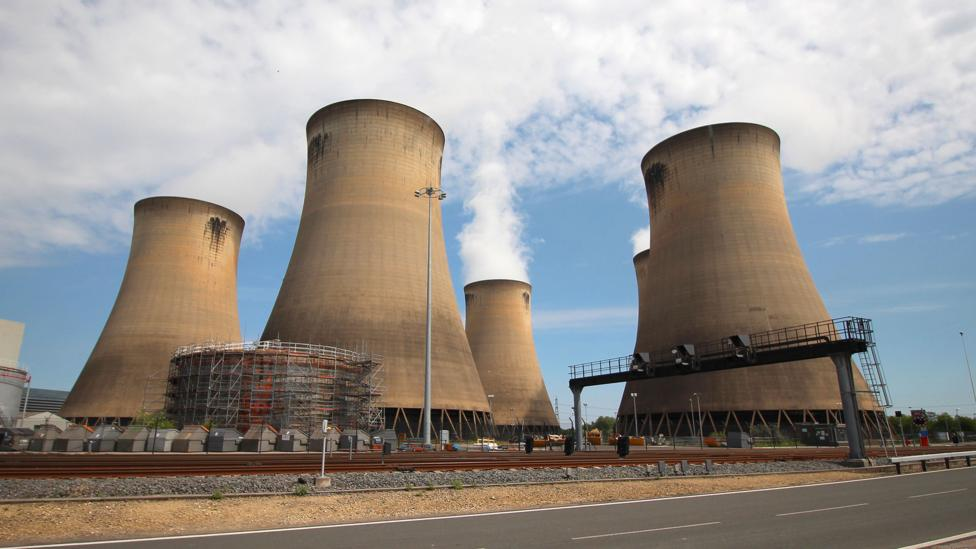 The Community Solar Power Plant Meeting the Largest Coal Power Plant Isn't Very Good News