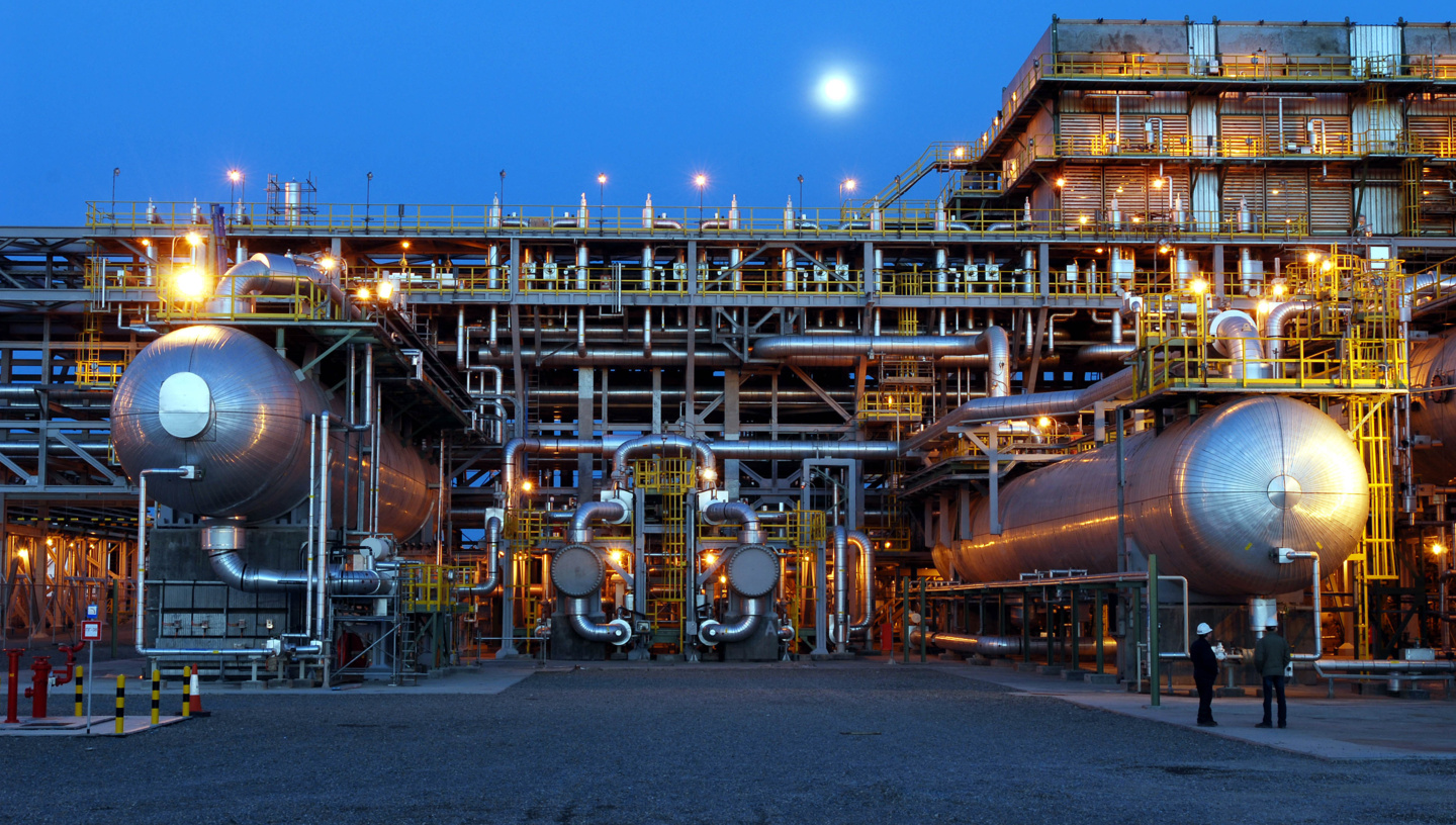 Russia Boosts Oil and Gas Production in April Ahead of Reductions